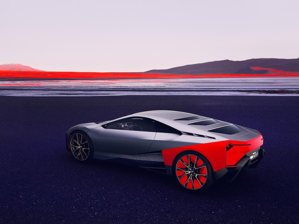 The design is based on the BMW Turbo and i8 to offer pure sports car aesthetics