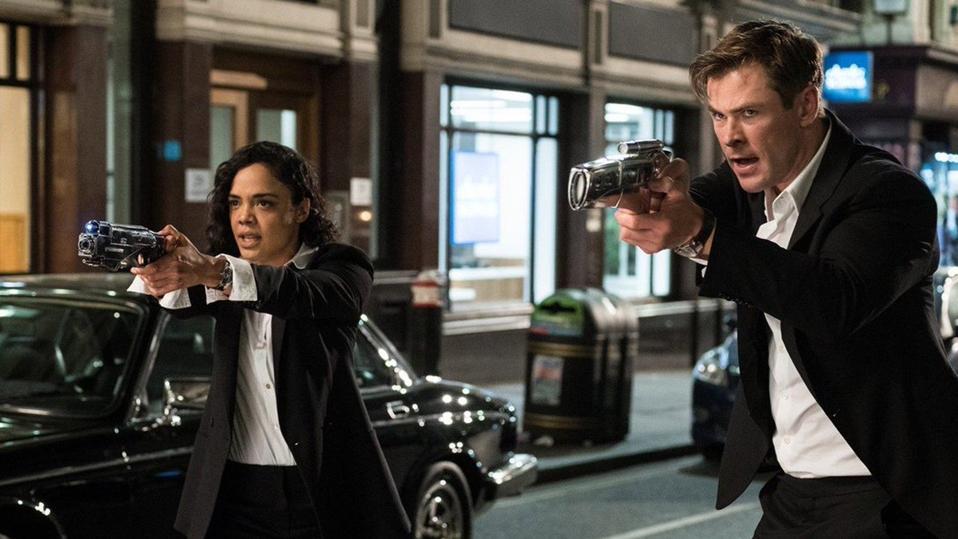 Tessa Thompson and ″not Will Smith' (Chris Hemsworth) in 'Men In Black: International.'