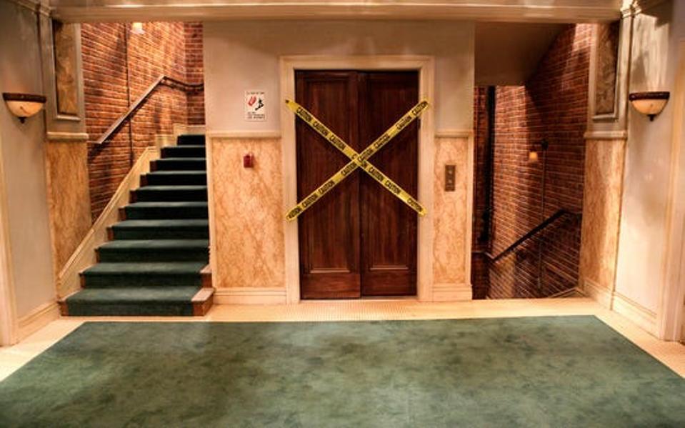 The Broker Elevator Set