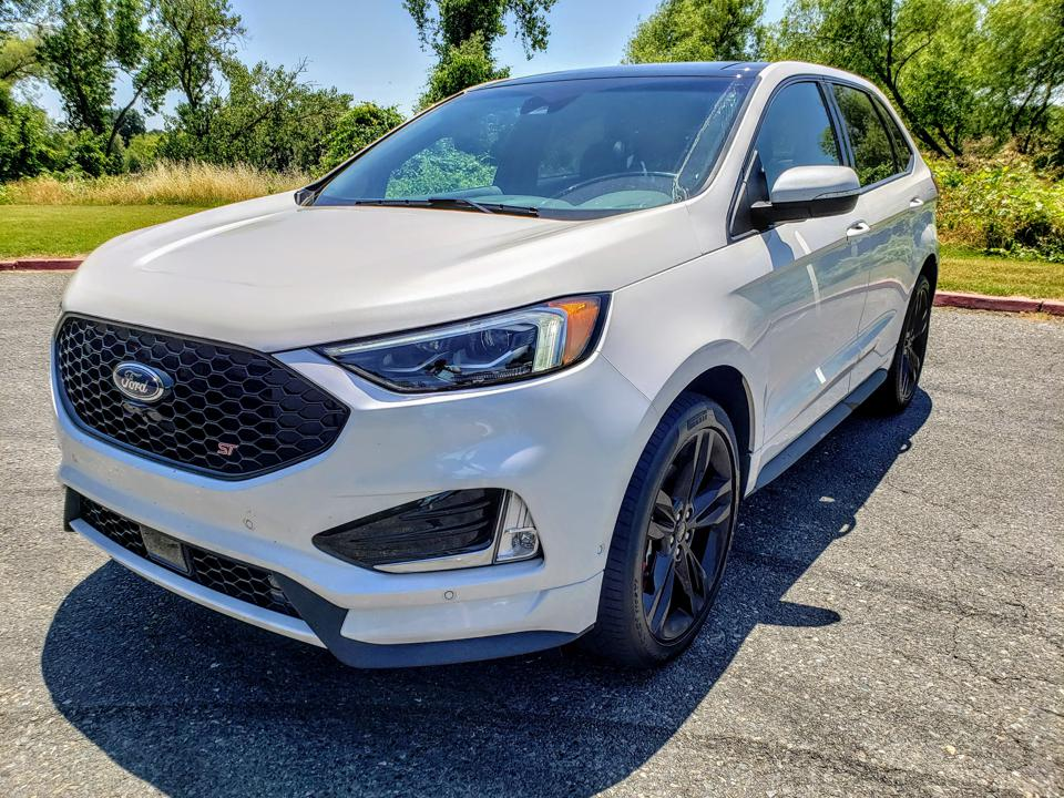 2019 Ford Edge ST - Three Things That Make It Cool