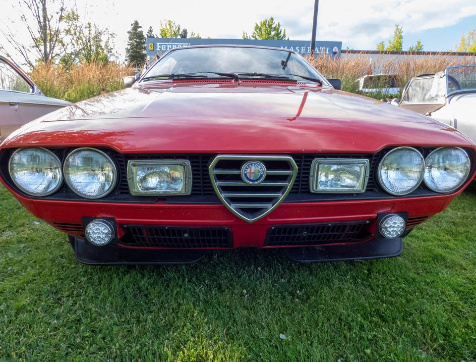 Darkness won't be a problem for this Alfa Romeo that can probably be seen from space at night.