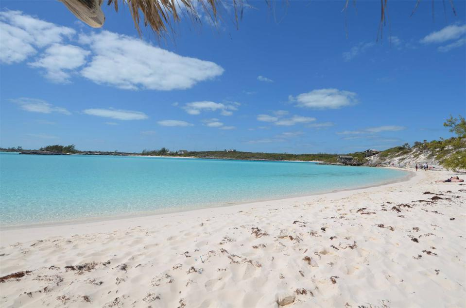 The largest beach of Saddleback Cay.