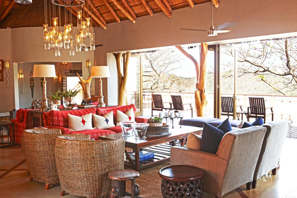 The lounge at Thanda Safari Lodge
