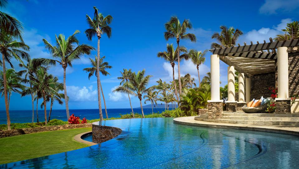 Montage Kapalua Bay's three-tiered lagoon-style swimming pool is 8,500 square feet in size. In addition, the Kapalua Beach Club Pool offers a private pool that is reserved for homeowners.