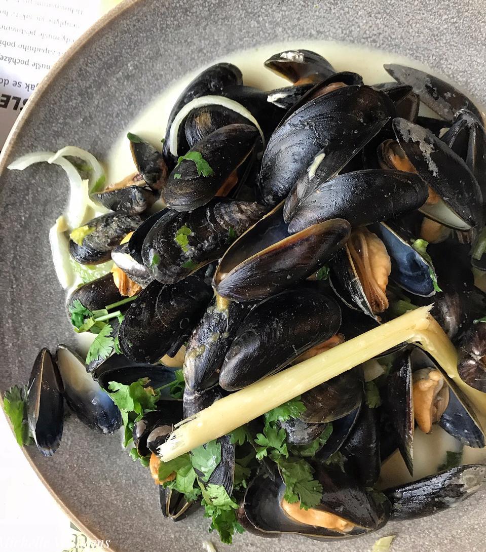 Les Moules Thai Mussels