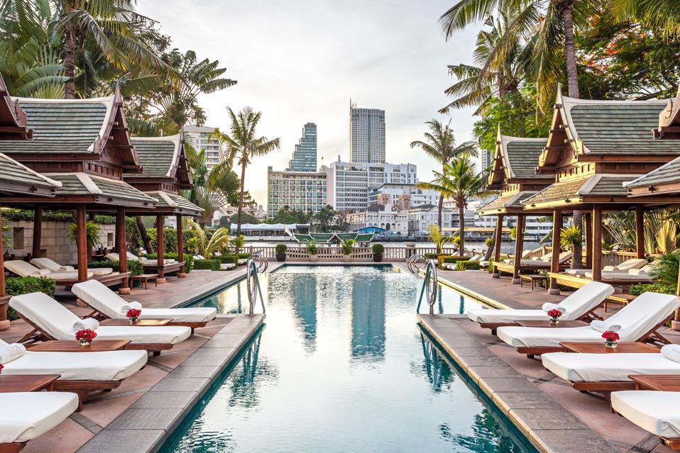 The Peninsula Bangkok pool