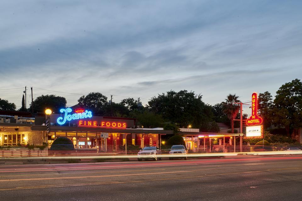 Austin Motel neon signs