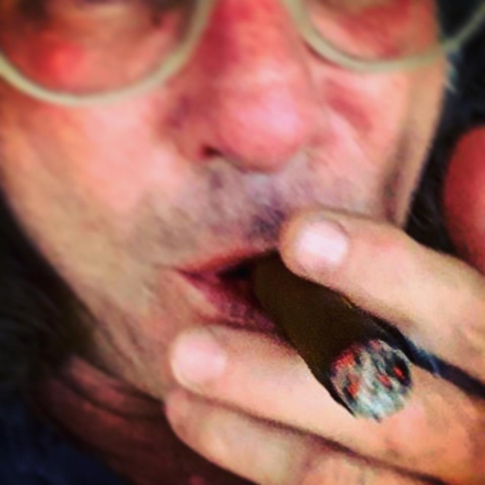 Warren Bobrow puffing a ganjarillo
