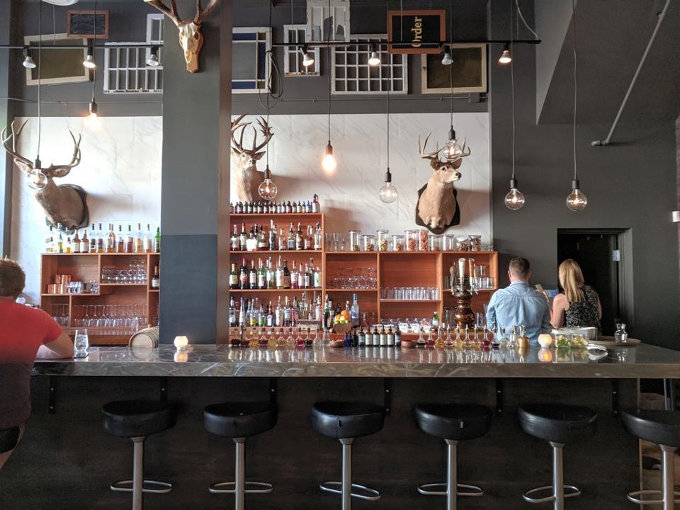 bar in restaurant
