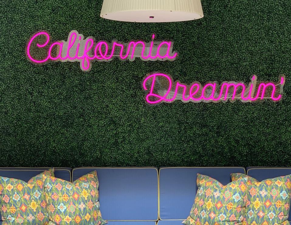 California Dreamin' sign