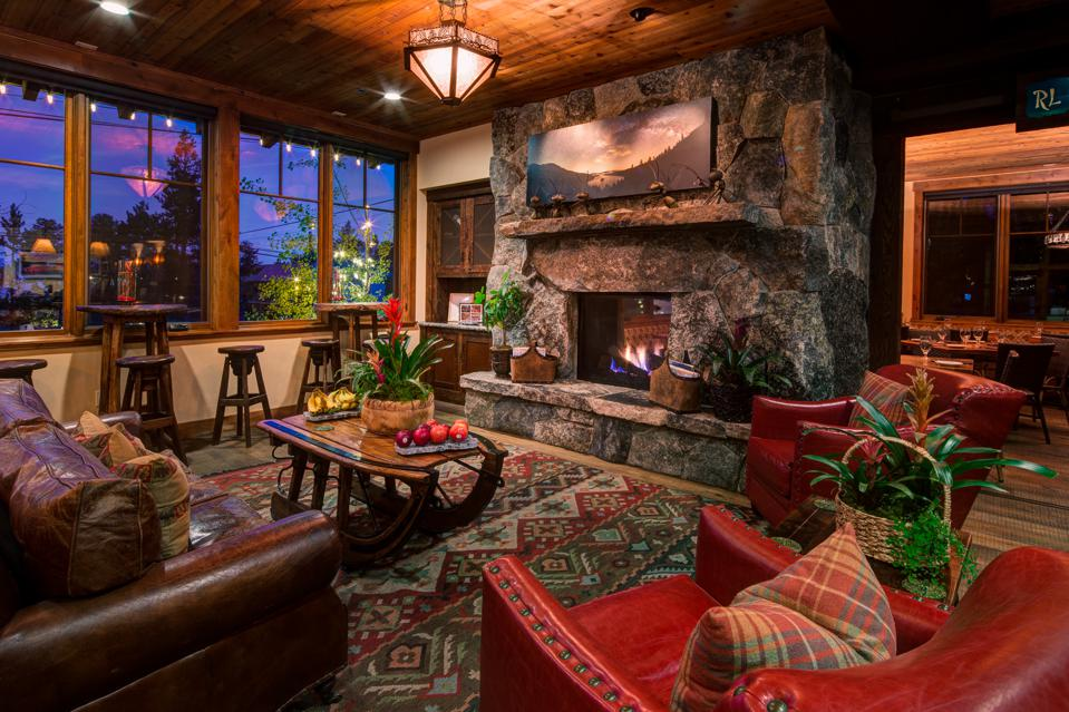 Guests can relax at Cedar Glen Lodge with its exquisite interior.