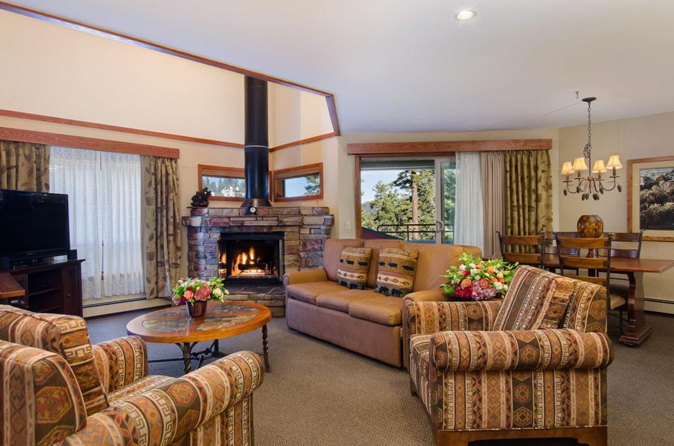 The Ridge Tahoe Resort offers spacious lodging for large groups.