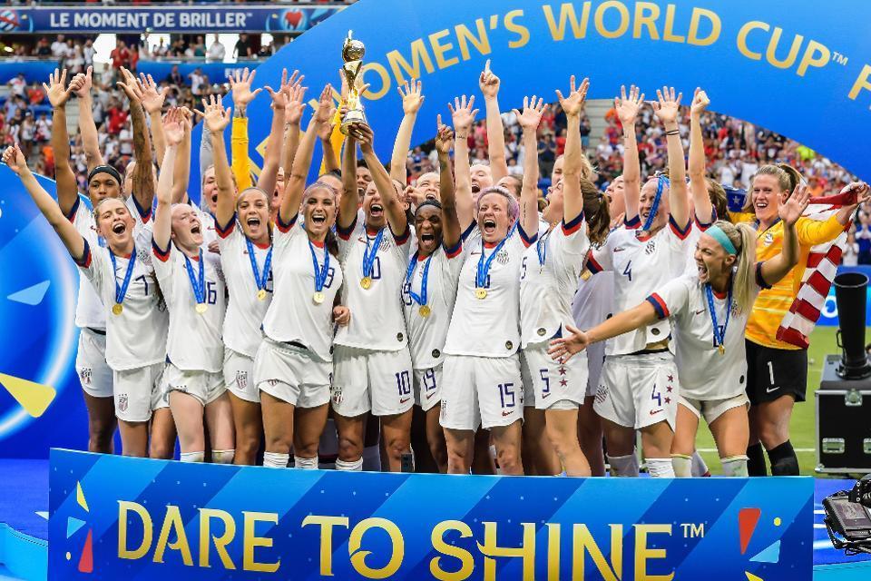 Goalkeeper Alyssa Naeher of USA women, Mallory Pugh of USA women, Samantha Mewis of USA women, Becky Sauerbrunn of USA women, Kelley O Hara of USA women, Morgan Brian of USA women, Abby Dahlkemper of USA women, Julie Ertz of USA women, Lindsey Horan