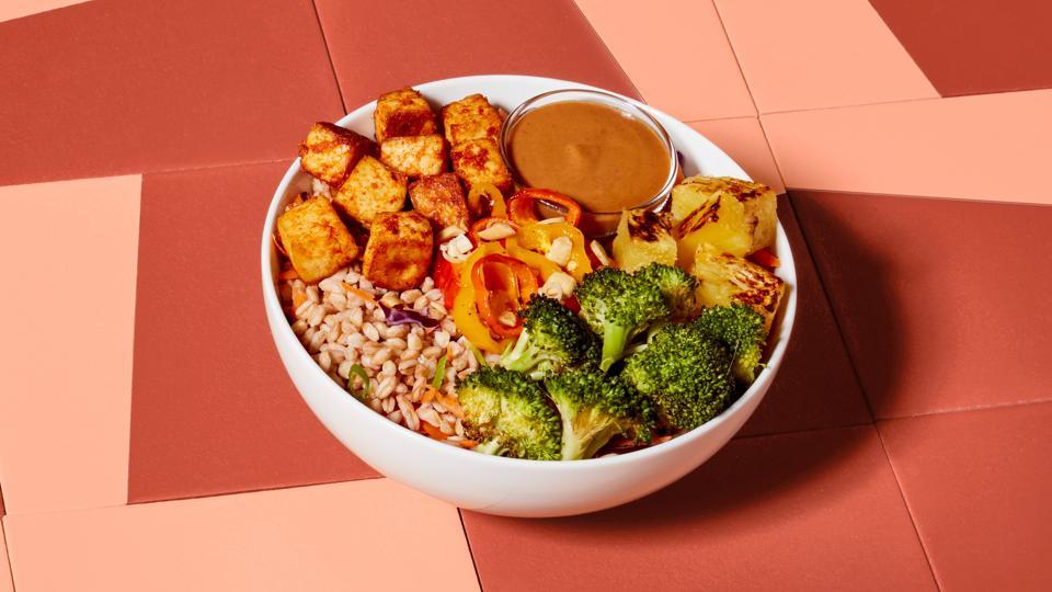 Frozen food startup Mosaic Food's peanut tofu bowl