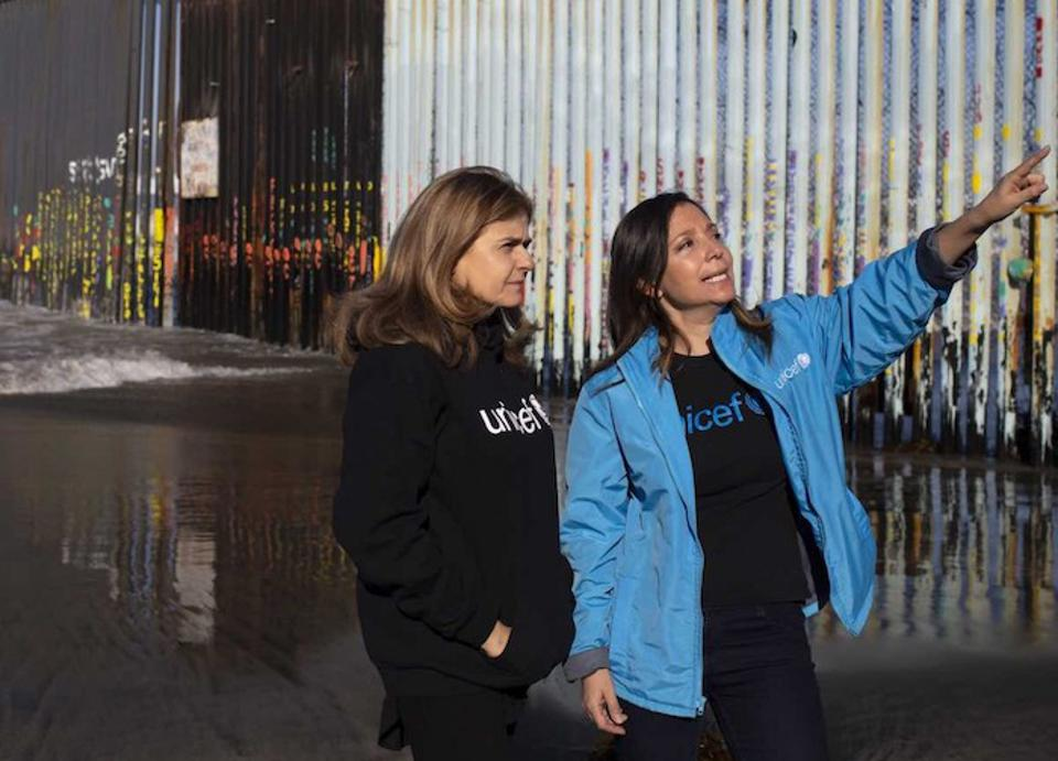 UNICEF Mexico Child Protection Officer Karla Gallo (right) with Paloma Escudero, UNICEF Director of Communications near the border in Tijuana, Mexico.