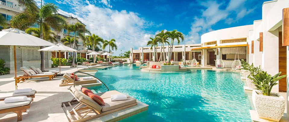 Forbes-Pools-CreditTheShoreClub