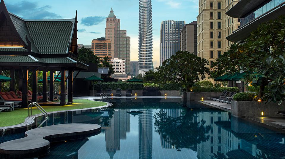 Forbes-Pools-CreditTheAtheneeHotelBangkok
