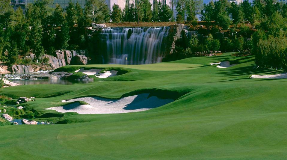 The 18th hole of the Wynn Golf Club