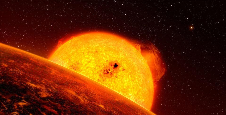 A big giant rd nasty sun.