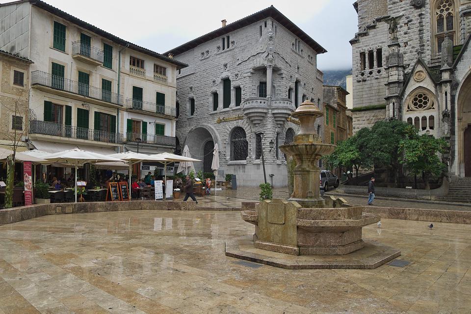 Plaza Constitucion in Soller.