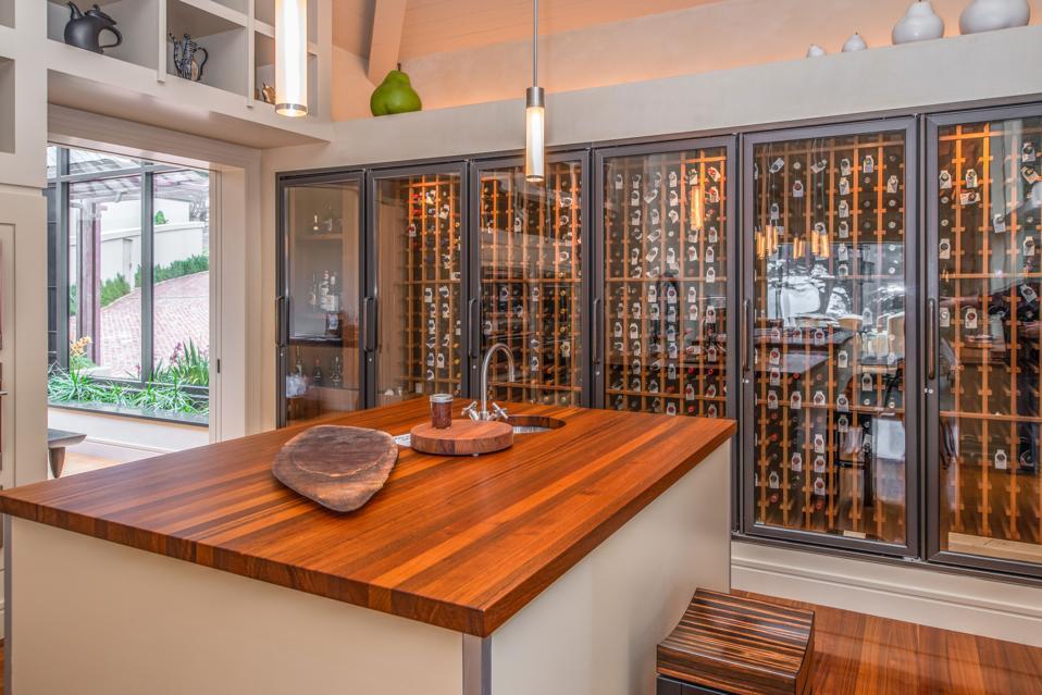 SevenCovesCarmel Lodge Kitchen