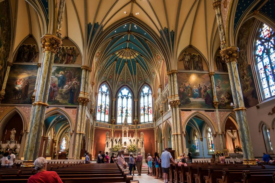 Georgia, Savannah, Cathedral of St. John the Baptist, Gothic architecture and vaulted ceiling