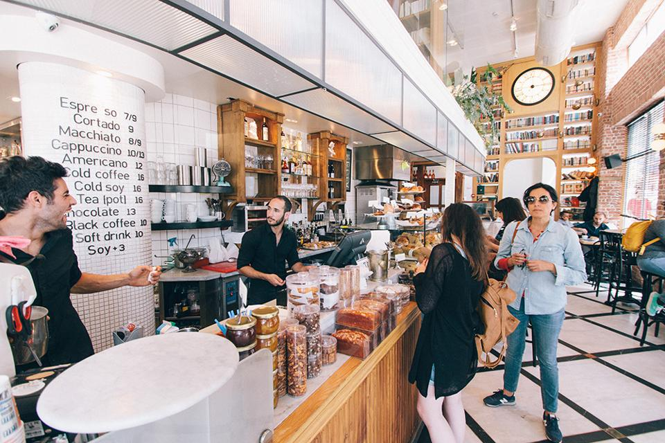 5 Creative Ways to Create Customer Loyalty and Drive Referrals