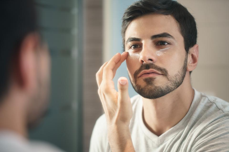 The Best Face Moisturizers For Men In 2019