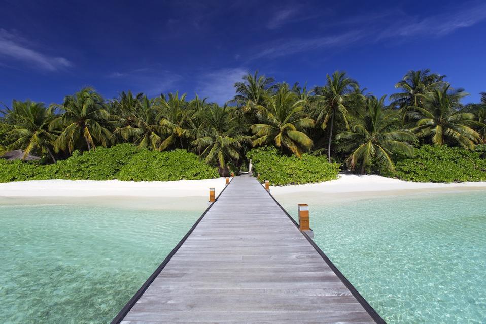 The jetty at Baros Maldives