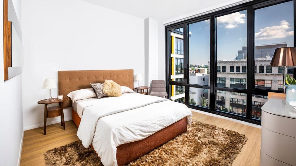 Liz bedroom
