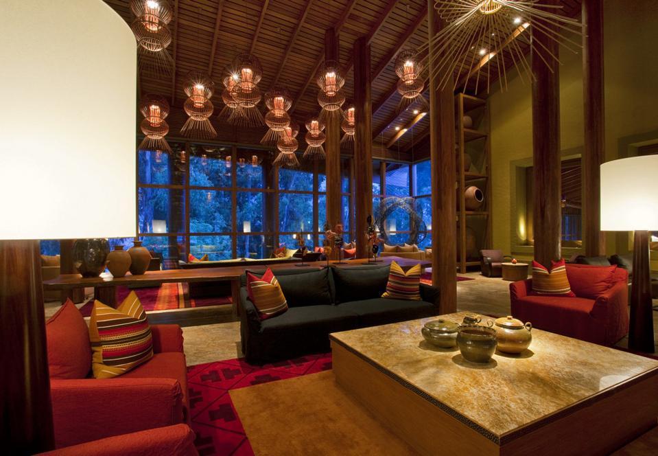 Tambo Del Inka Resort and Spa lobby