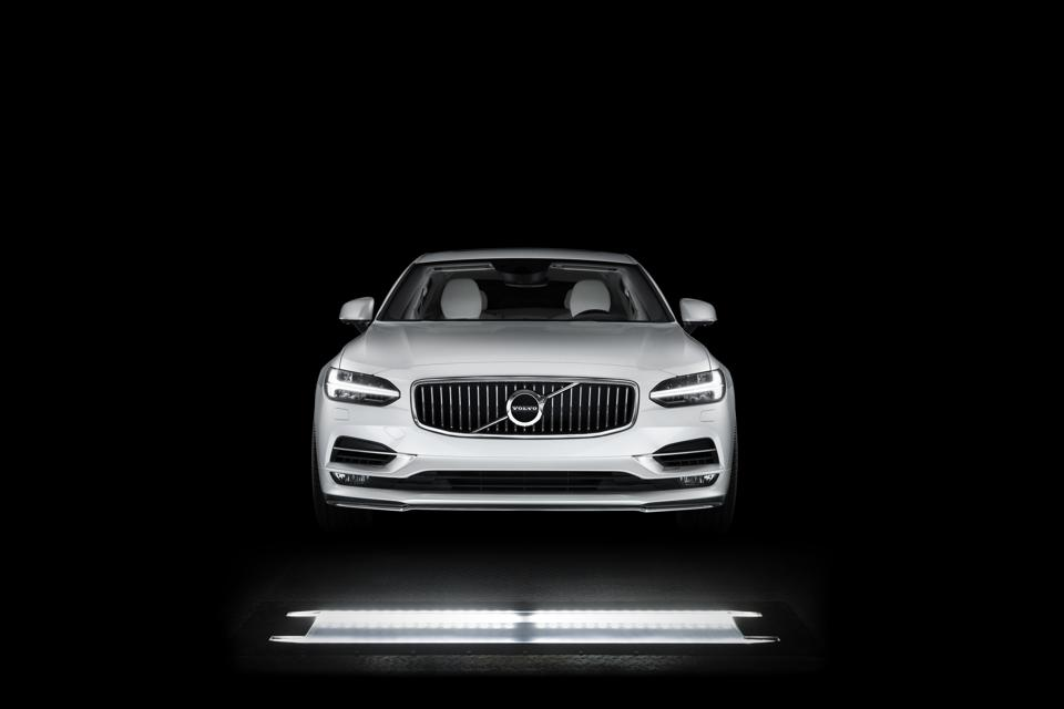 Volvo Cars plans to set up UVeye inspection stations at several locations globally.