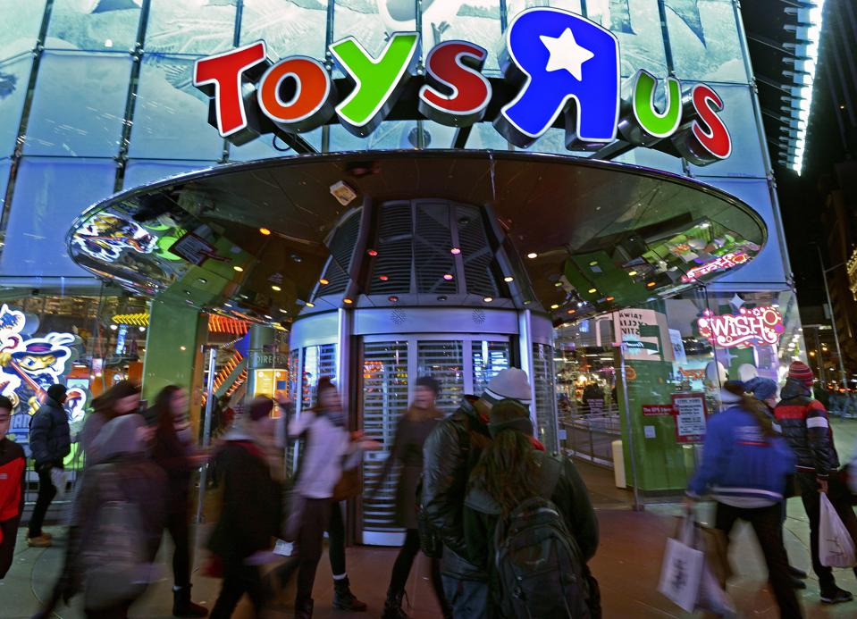 Early Black Friday Shopping At Toys-R-Us In Times Square