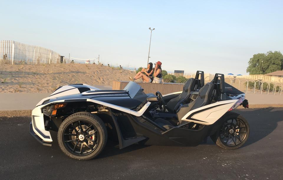 Polaris Sling Shot >> Review The Polaris Slingshot Is The Most Fun You Can Have