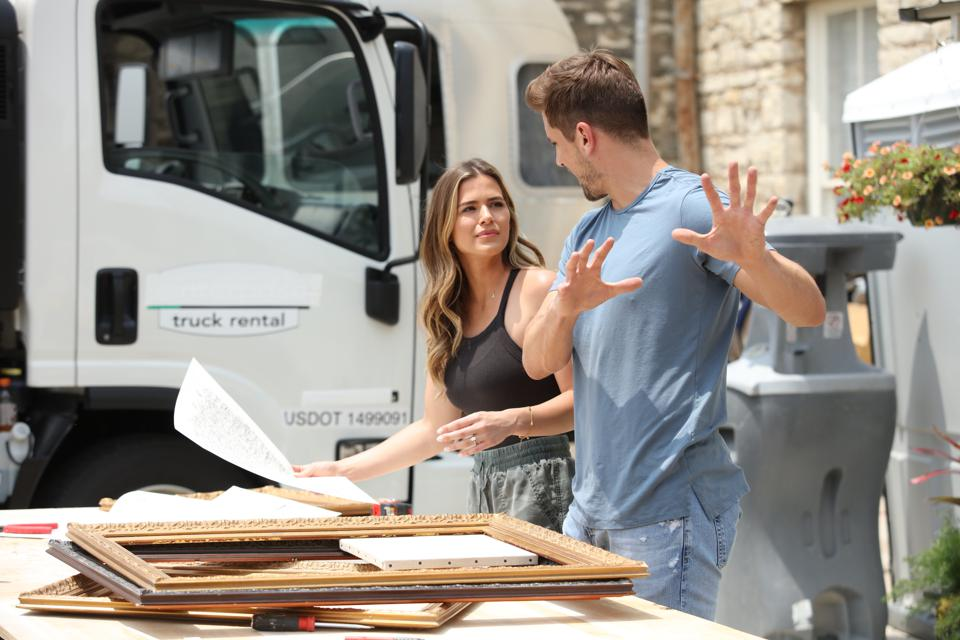 JoJo Fletcher and Jordan Rodgers build short term rentals in CNBC's new show Cash Pad
