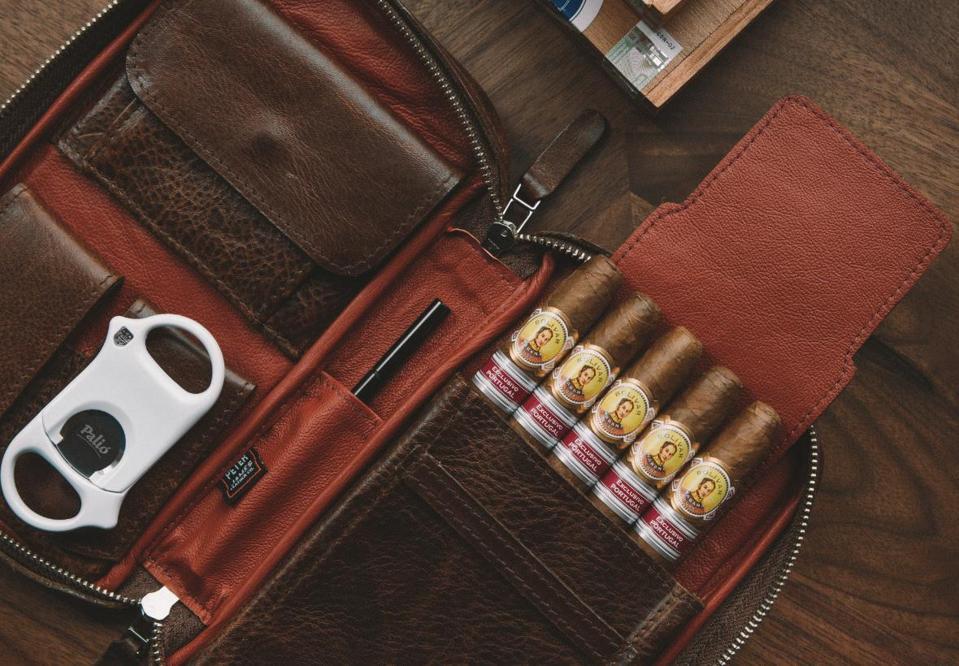 Peter James Cigar Case full grain leather aficionado.