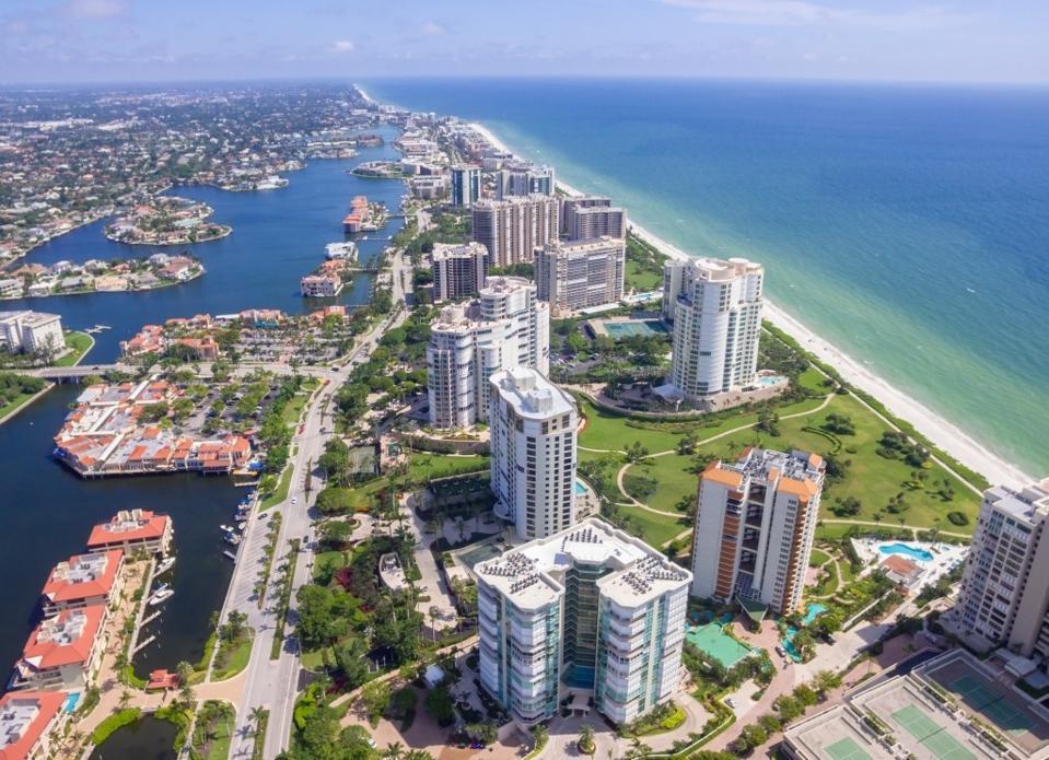 Naples condominiums for short-term rentals
