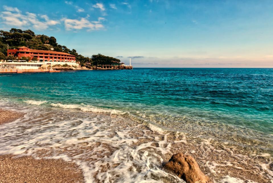 Monte-Carlo Beach.