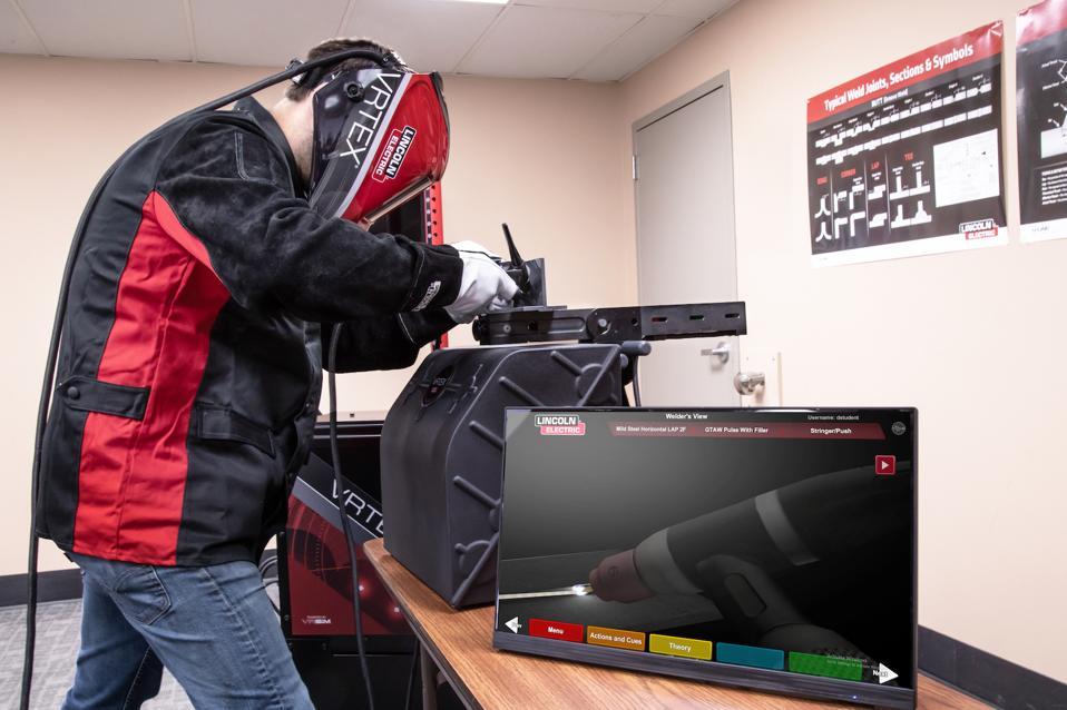 VR, training