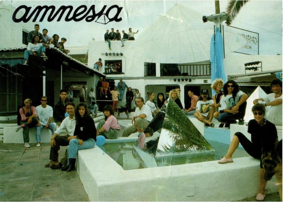 Vintage Amnesia photo.