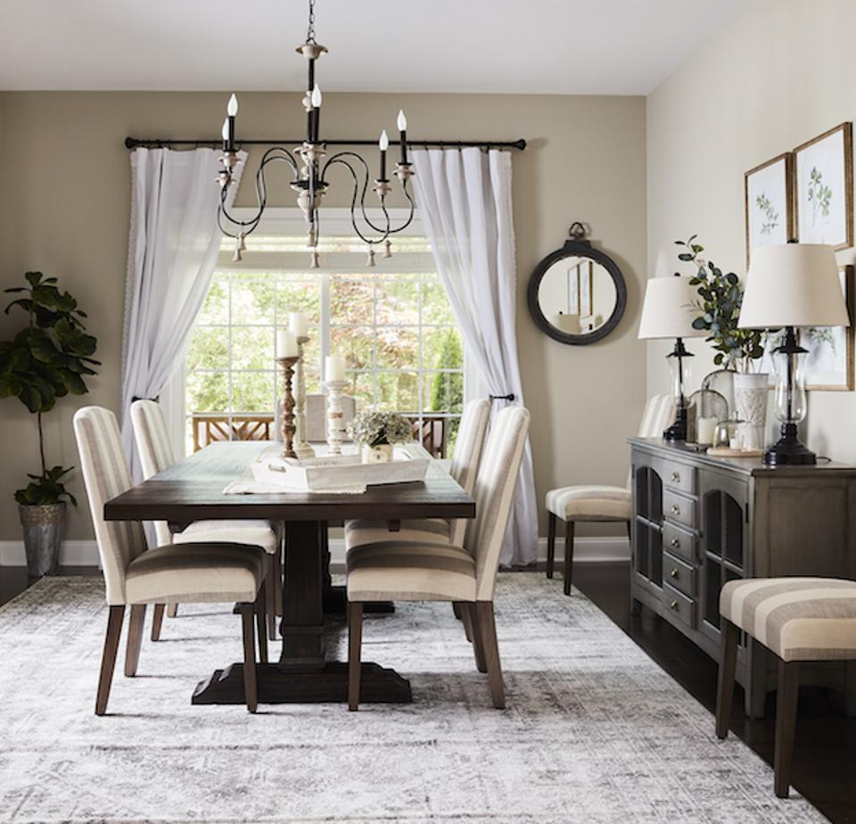 An accessible dining room designed by Wayfair.