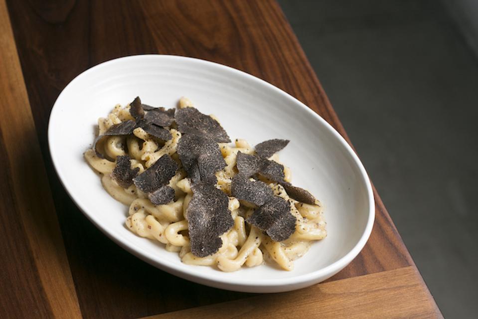 Macaroni & Chickpea, black truffle, Majordomo, David Chang, Los Angeles, shaved truffle