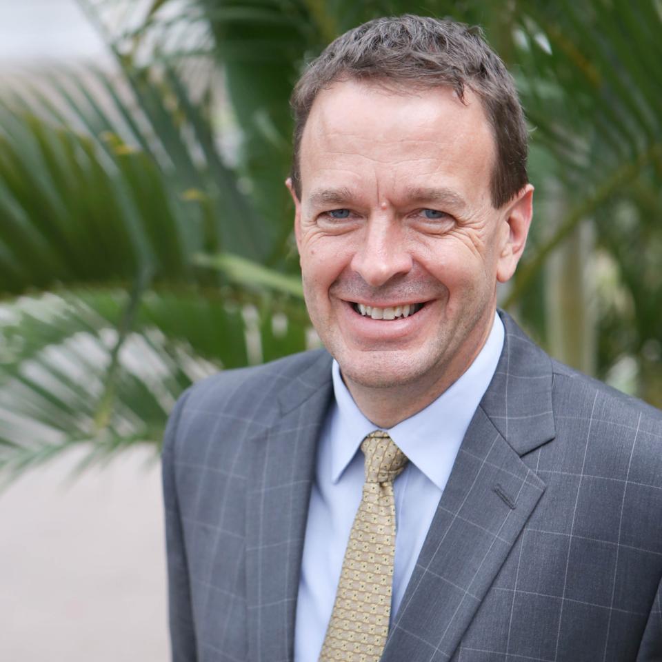 Headshot of Dr. Kurt Ver Beek