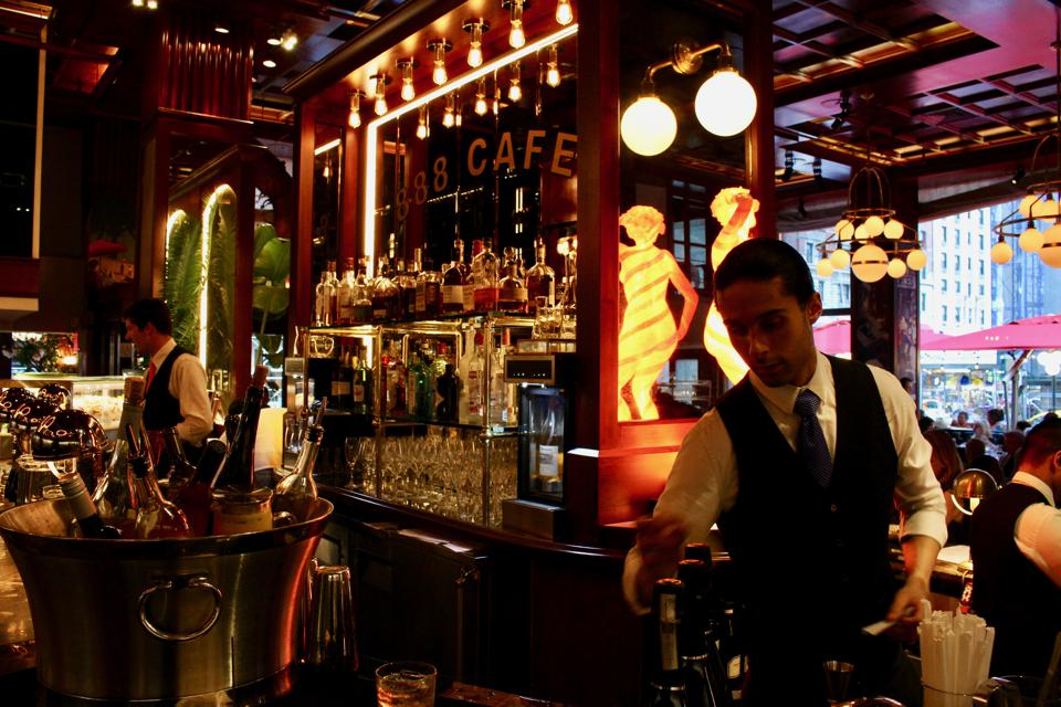888 Café & Bar Inerior