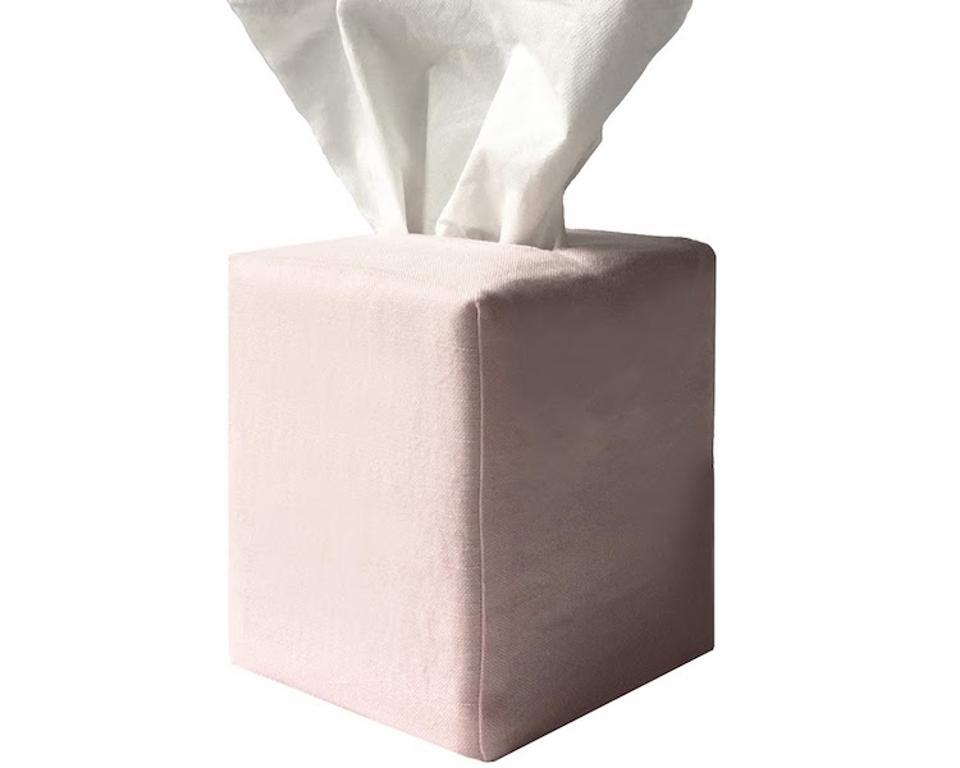 Pillowpia tissue box cover.