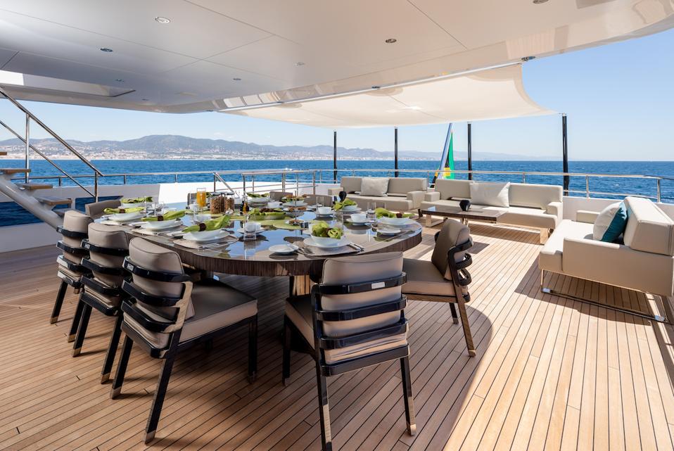 Exclusive photos of the 180-foot-long Heesen Yacht Vida.
