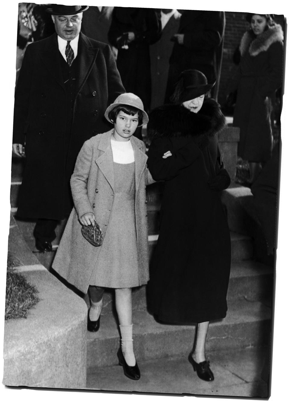 When 'Poor Little Rich Girl' Gloria Vanderbilt Mesmerized