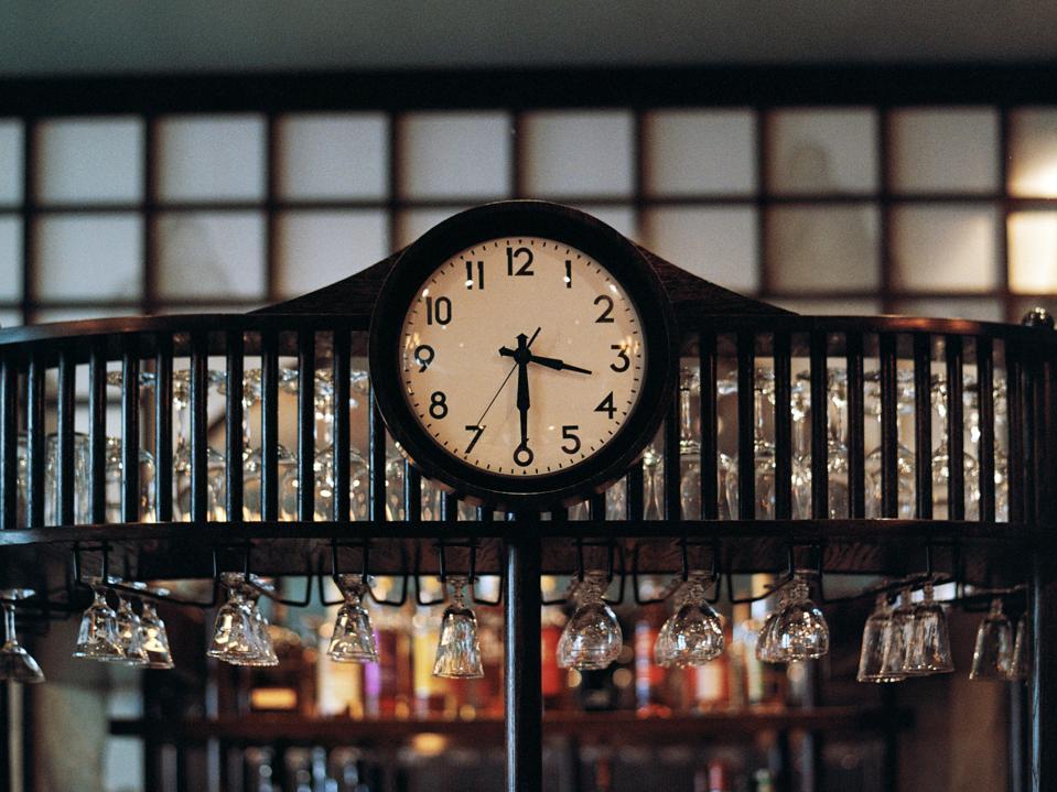 Bar clock