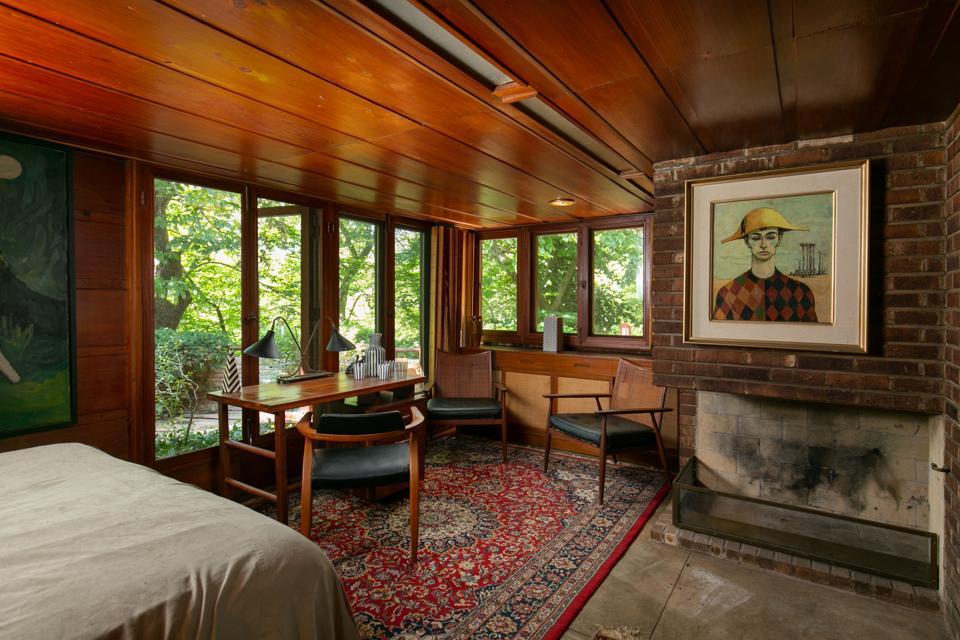 Wright bedroom