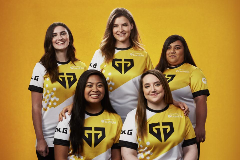 Gen.G Empowered, including @KittyPlays, in Bumble uniform